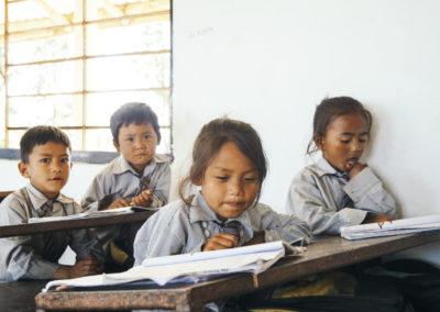 PATRIZIA School Dhoksan Nepal - Kinder lernen