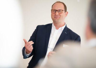 Event Frühjarsbrunch 2019 in Hamburg - Dr. Stefan Feuerriegel präsentiert