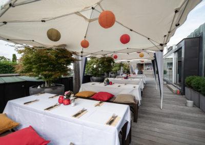 Event Sommerfest PATRIZIA Children Foundation 2019 für den Sponsor Circle - Dachterrasse geschmückt bevor Gäste eintreffen